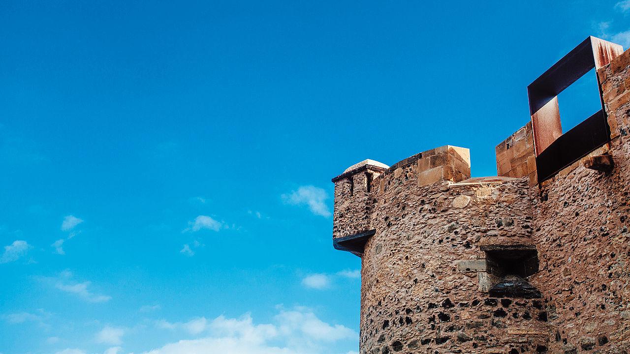Detalle del exterior del Castillo de La Luz