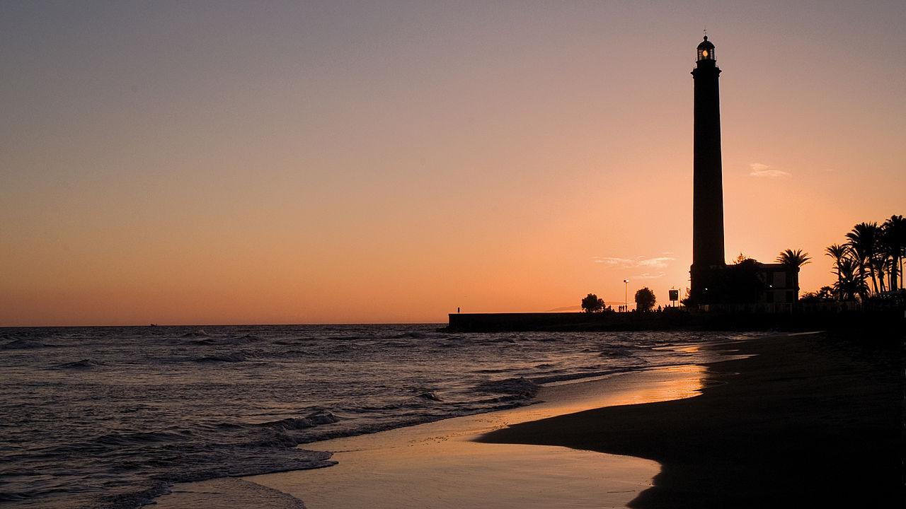 Playa y Faro de Maspalomas