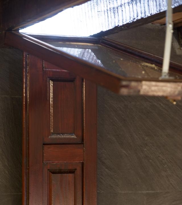 Ventana de una de las habitaciones del Hotel Emblemático Arucas