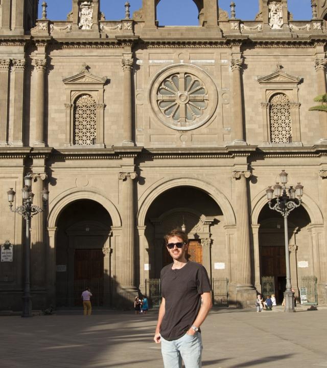Manuel Velasco en la Plaza de Santa Ana