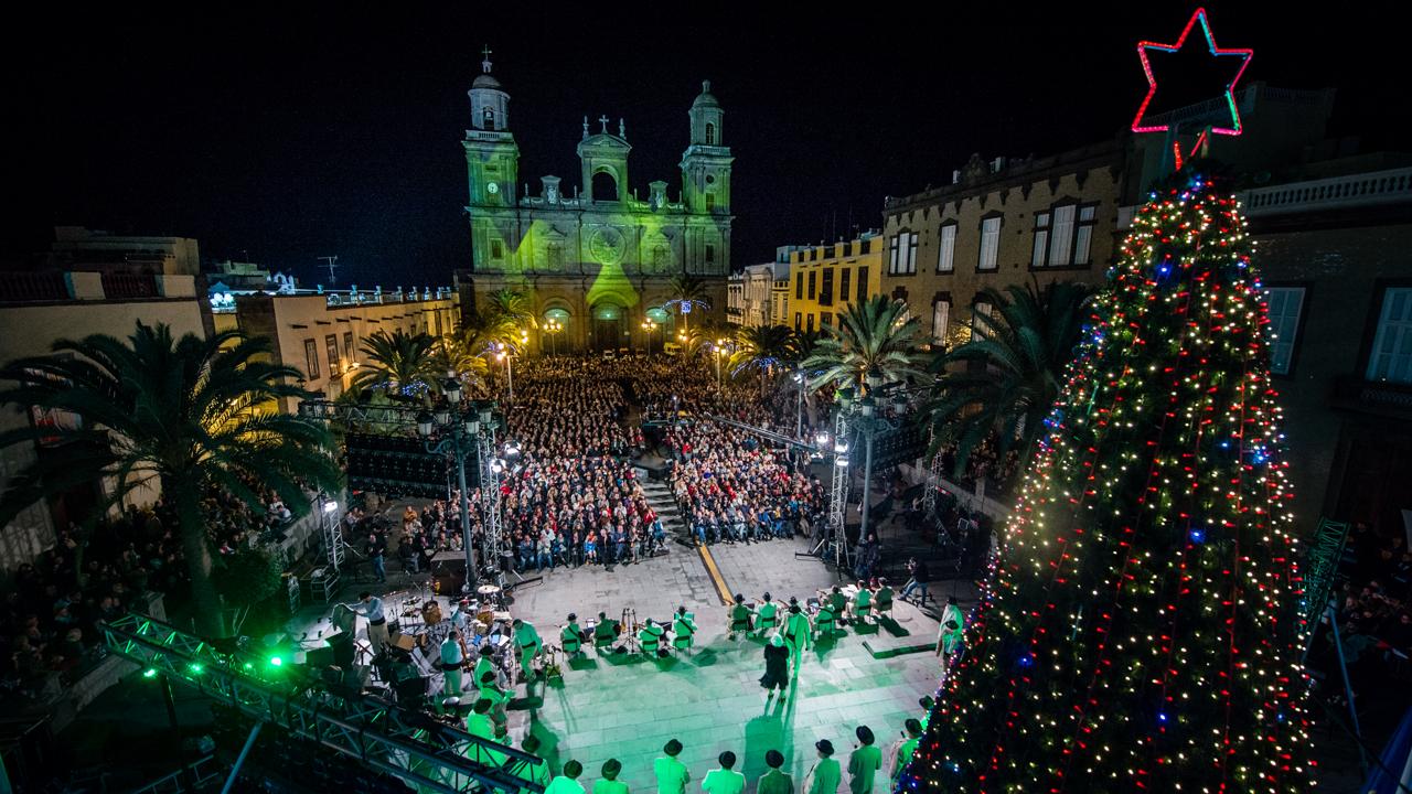 Traditional Christmas Concert. Plaza de Santa Ana