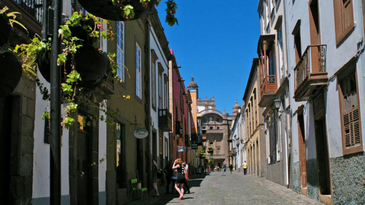 Los Balcones street, Vegueta