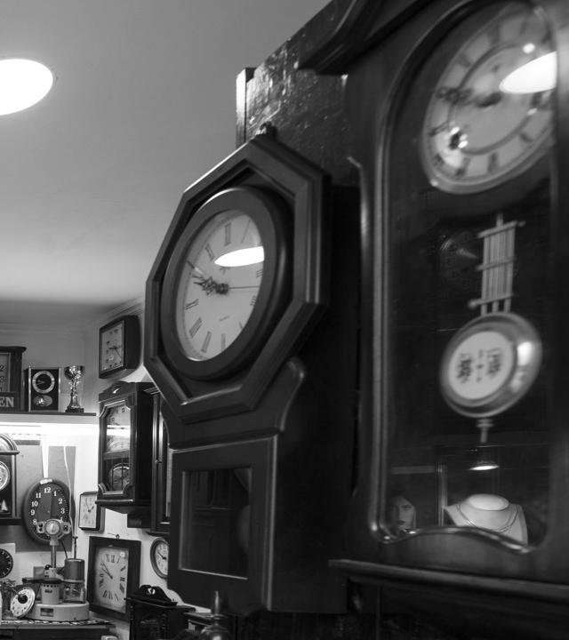 The workshop of watchmaker Pedro Macías in the district of Vegueta in Las Palmas de Gran Canaria