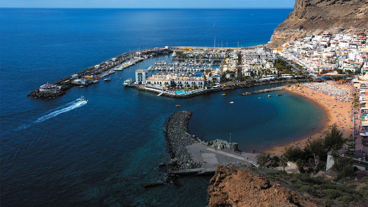 Puerto y Playa de Mogán, en Gran Canaria