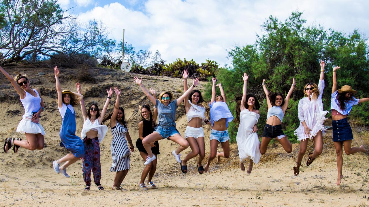 Un grupo de chicas se divierten en Gran Canaria