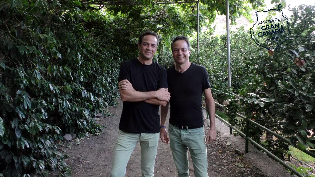 Los cocineros y Hermanos Torres posan en una finca en Gran Canaria