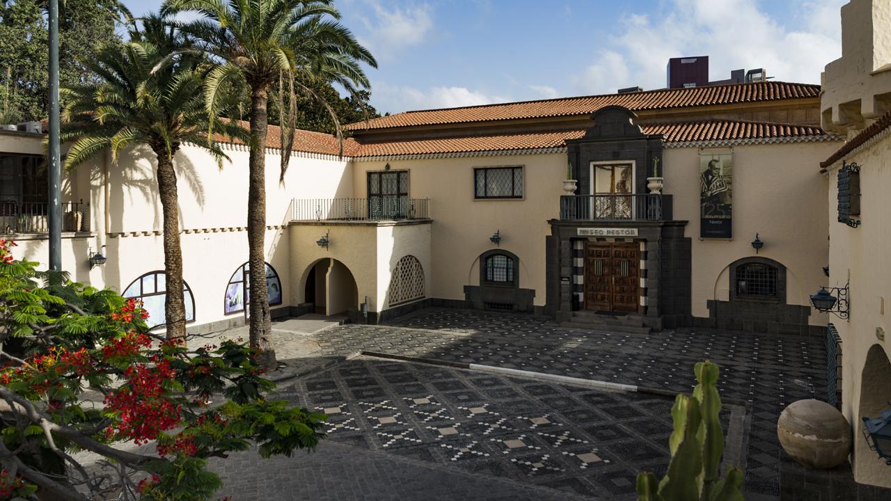 Exterior del Museo Néstor, en el Pueblo Canario