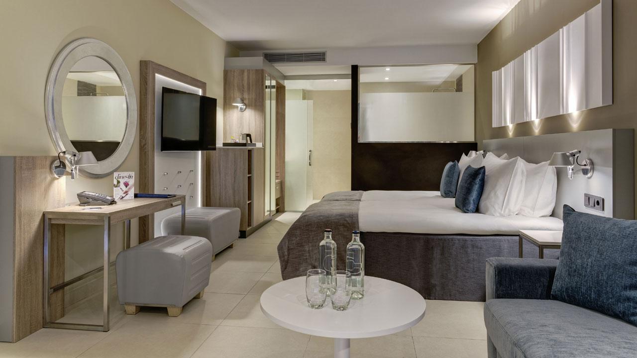 Habitación del Radisson Blu Resort & Spa, Gran Canaria Mogán. Fotografía de Radisson Blu Resort & Spa, Gran Canaria Mogán