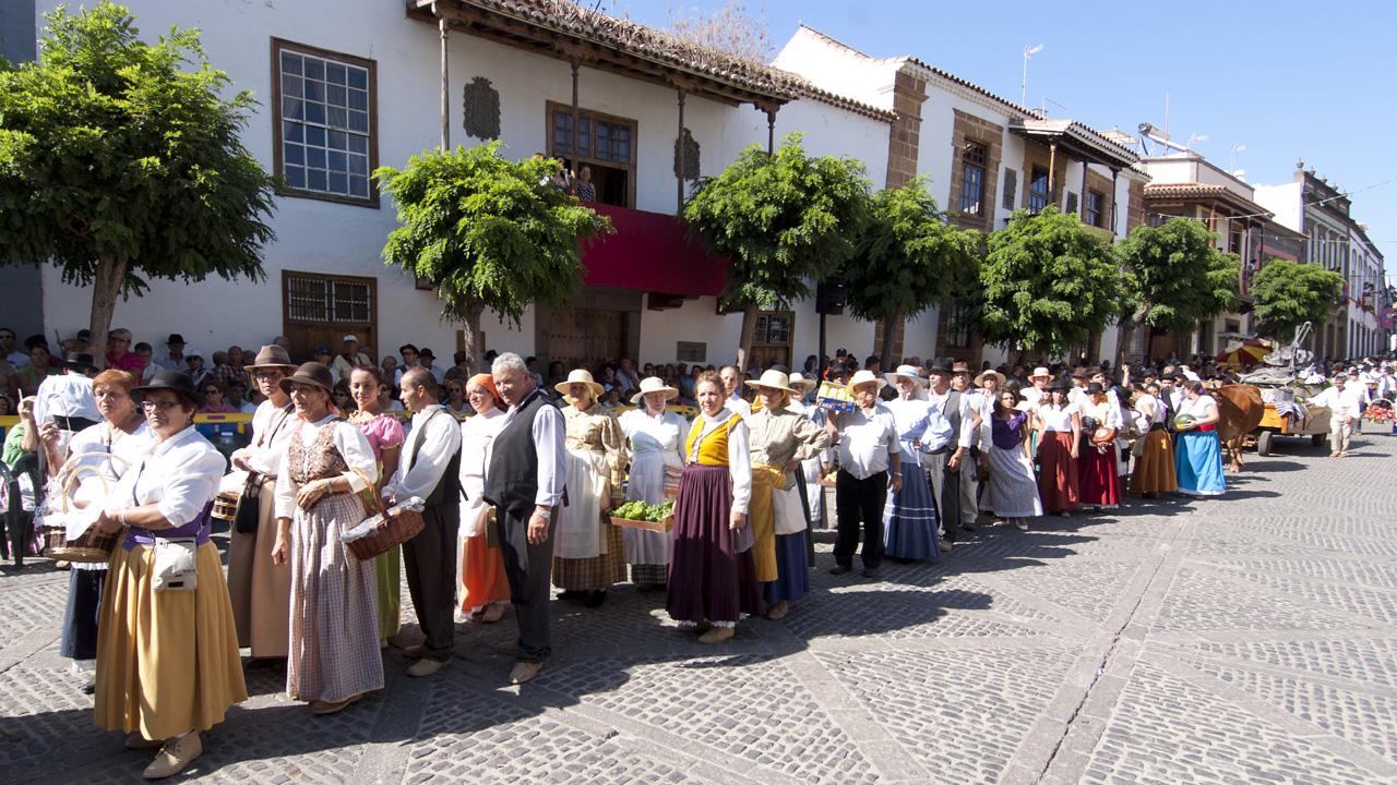 Romería Ofrenda a Nuestra Señóra la Virgen del Pino en Teror, Gran Canaria