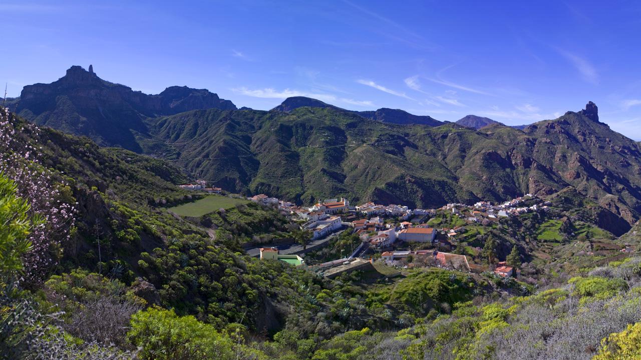 Roque Nublo, Roque Bentayga y pueblo de Tejeda