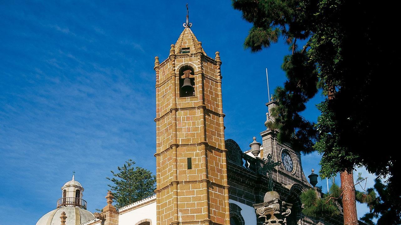 Torre de la Basílica de Nuestra Señora del Pino en Teror, Gran Canaria