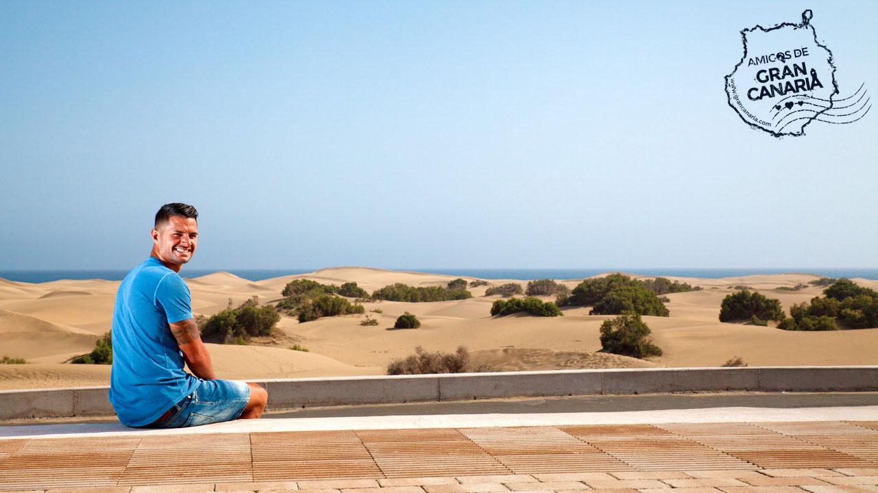 Vitolo en el Mirador de las Dunas de Maspalomas en Gran Canaria