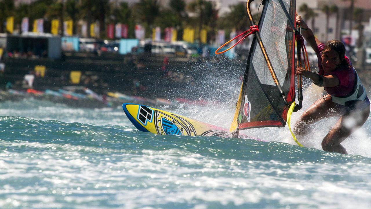 Windsurfista en el mundial de Windsurf en Pozo Izquierdo, Gran Canaria