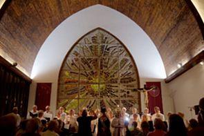 Firande av vänskapsbanden mellan svensk och kanarisk Lucia i Skandinaviska Turistkyrkan i Playa del Inglés
