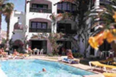 Apartamentos El Chaparral