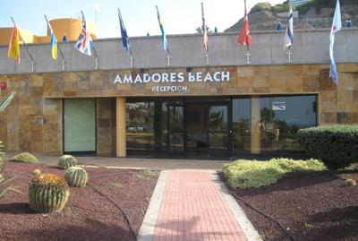 Apartamentos Amadores Beach
