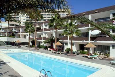 Apartamentos Corona Verde