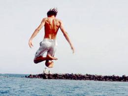 Des jeunes se jettent à la mer au sud de Gran Canaria