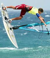 Praticando windsurf em Pozo Izquierdo