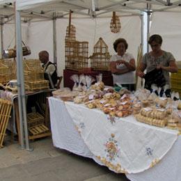 Süßer Stand auf dem Markt von Firgas