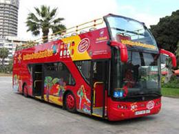 Autobus turistico nel Parco di Santa Catalina