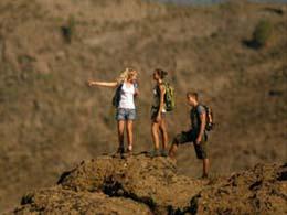 Wanderer auf dem Weg zum Roque Nublo