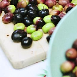 Trito d'aglio e olive