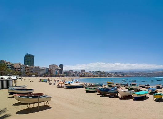 Der Strand von Las Canteras in der Inselhauptstadt Las Palmas de Gran Canaria